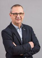 Tóth Gábor Székáruház ügyvezető