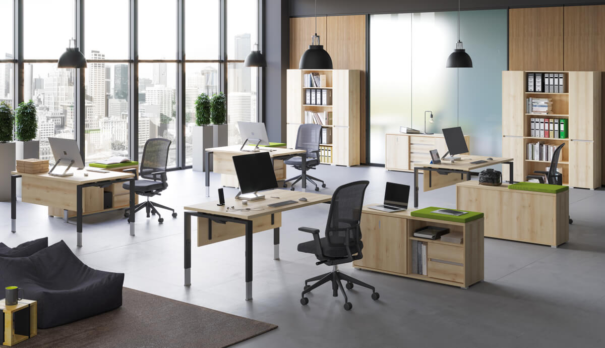 Állítható magasságú asztalok FL-4 fémlábbal