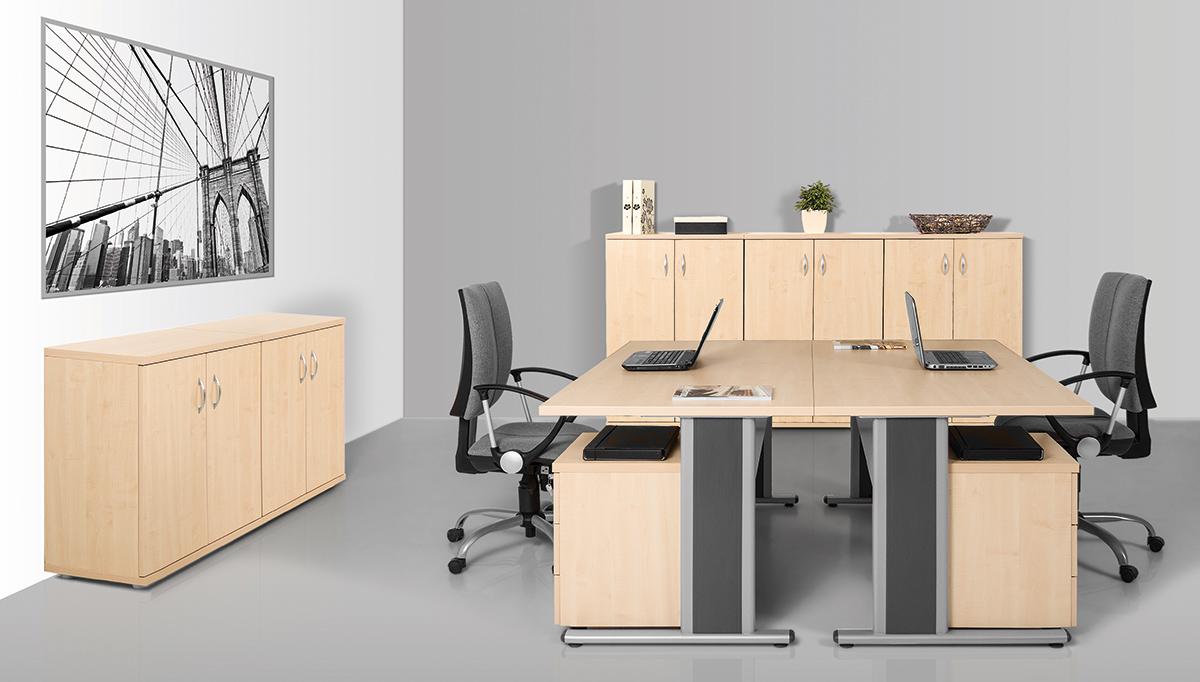 Vénusz irodabútorok asztalai AVA fémlábbal