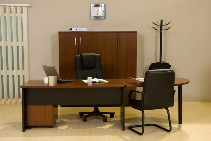 Vénusz laplábas asztal íves tárgyalótoldattal