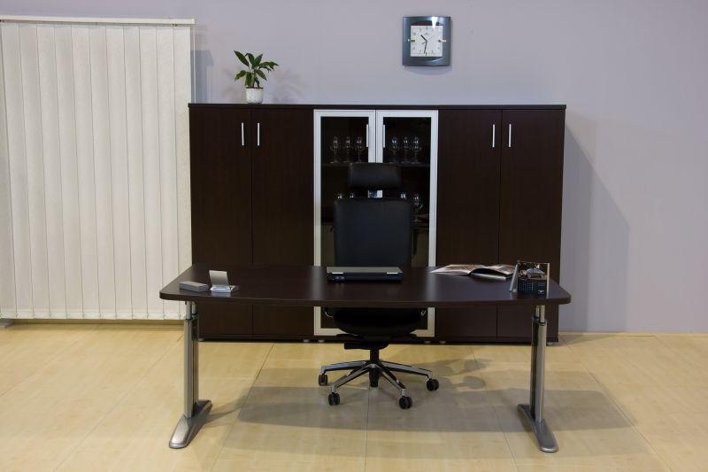 LUX fémlábas vezetői íróasztal  szekrénnyekkel