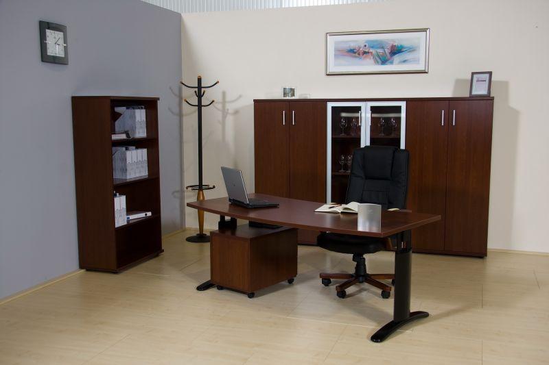 LUX fémlábas vezetői iroda magas szekrényekkel